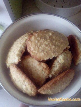 готовое печенье в миске