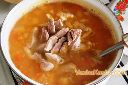 мясо в супе