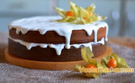 готовий украшений торт