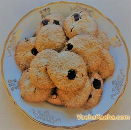 Быстрое овсяное печенье с изюмом и корицей