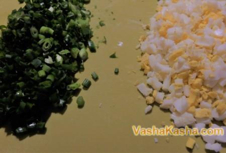 Пирог с зеленым луком яйцом и рисом