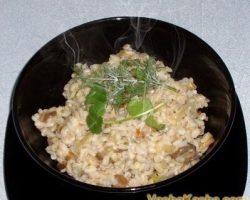 The recipe for barley porridge with mushrooms