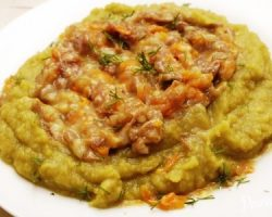 How to cook pea porridge with stew