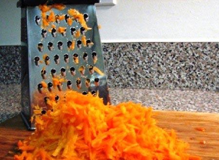 тертая морковь на терке