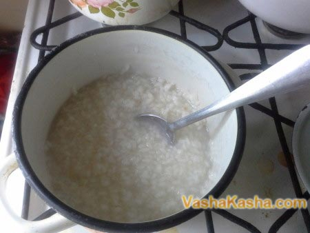 rice in a saucepan