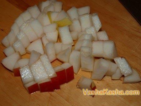 нарезанная дыня кубиками