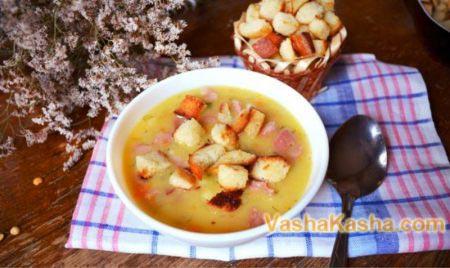 готовый гороховый суп с колбасой