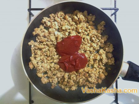 minced meat with tomato paste