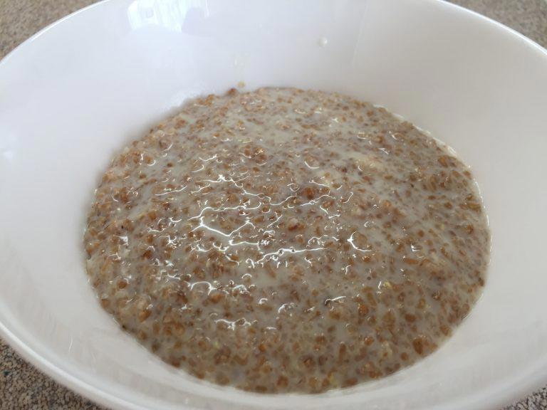 Крупа пшеничная варят в воде